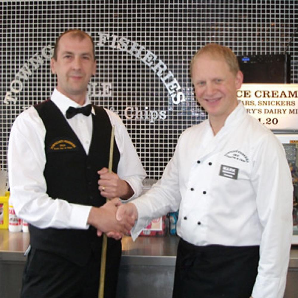 Towngate Fisheries sponsors England snooker player Kevin Firth